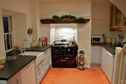 Bwthyn Gwe Kitchen - St Davids Holiday Cottages Pembrokeshire