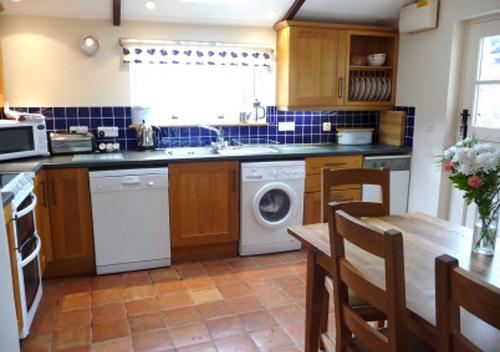 Ysgubor Kitchen St David Peninsula Cottages
