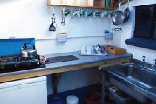 St-Davids-Peninsula-Cottages-The-Yurt-Kitchen