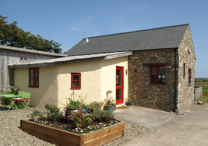 Yr Hendy Outside of Cottage St Davids Peninsula Cottages